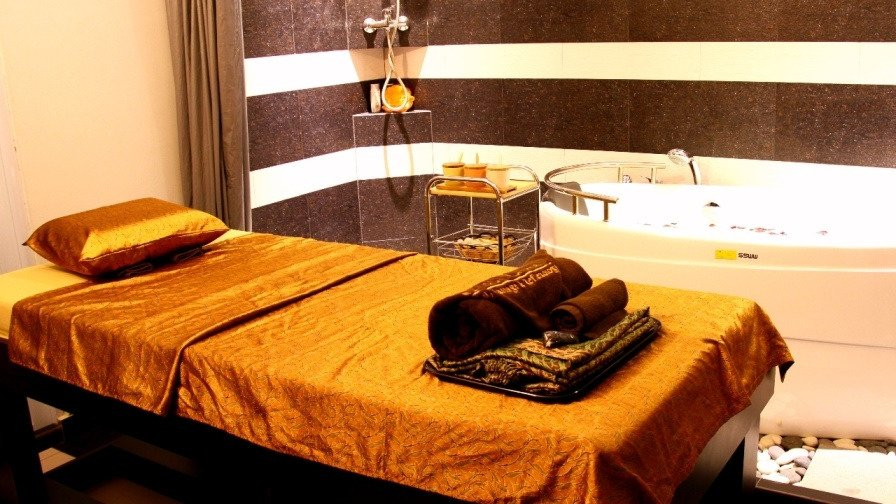 First choice spa massage reflexology batam indonesia for 30 east salon reviews