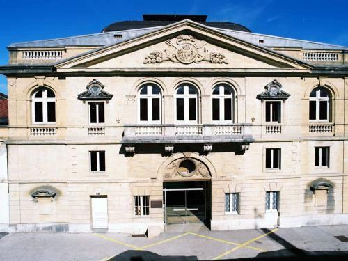 Theatre Bernard Blier