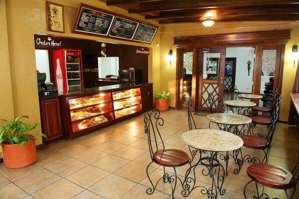 Le Pe Cafe