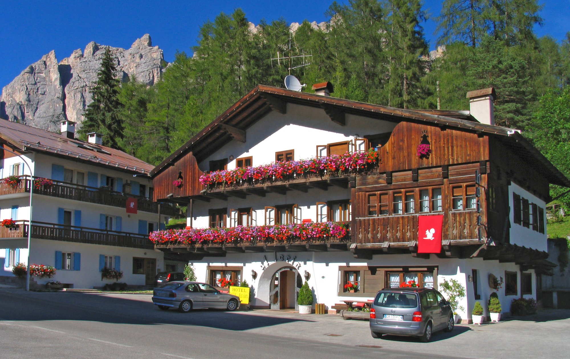 Hotel al larin updated 2017 reviews price comparison for Hotel meuble royal cortina d ampezzo