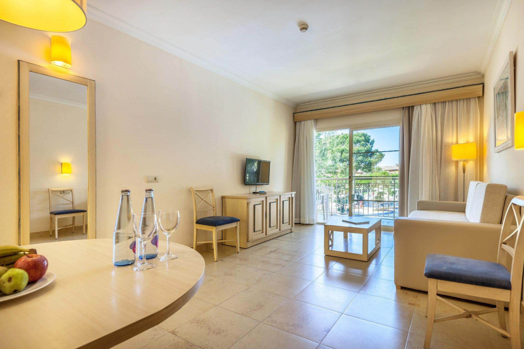 Zafiro mallorca ca 39 n picafort majorca hotel reviews for 0 bedroom apartment