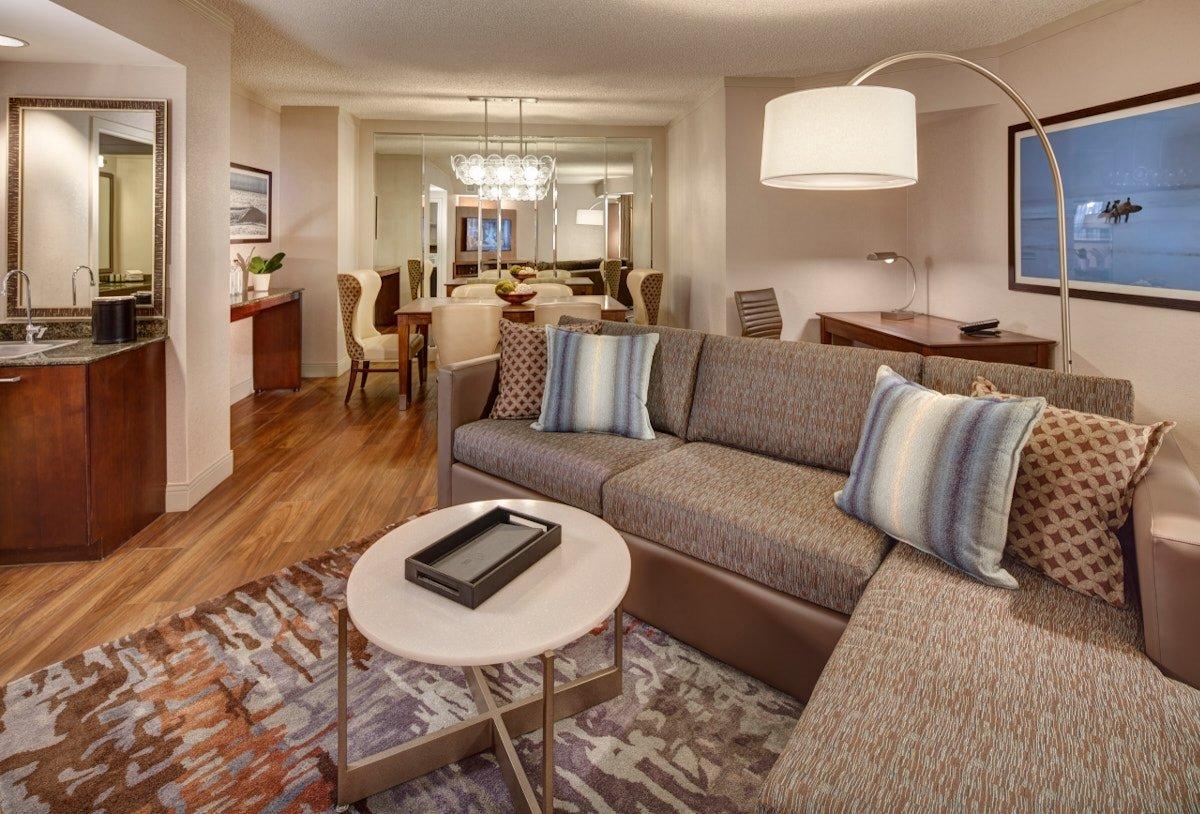 Embassy suites san diego la jolla ca 2017 hotel review for Living room la jolla