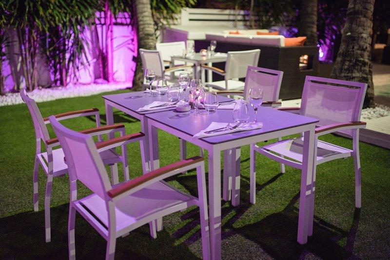 Villa blanche saint gilles les bains restaurant for Jardin 974