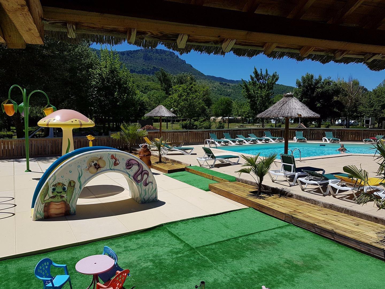 Camping le pont du tarn florac france voir les tarifs for Camping lozere piscine