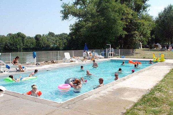 Camping de l le blanc anc ne france voir les tarifs for Camping montelimar piscine