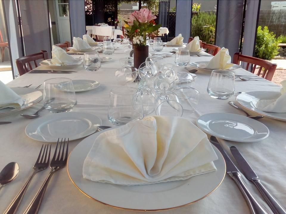 Le savignois savigny sous faye restaurant avis num ro for Table exterieur grande
