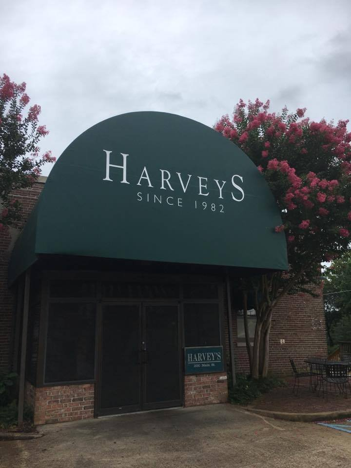 Harvey's Entrance