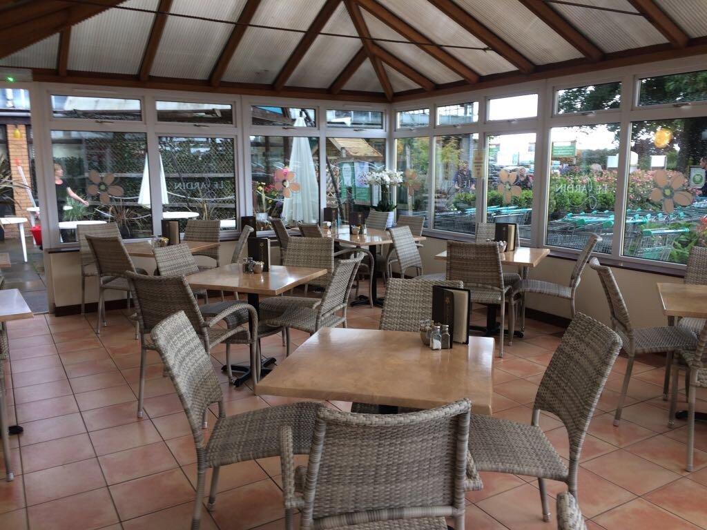 Le jardin cafe kinross restaurant reviews phone number for Cafe jardin menu