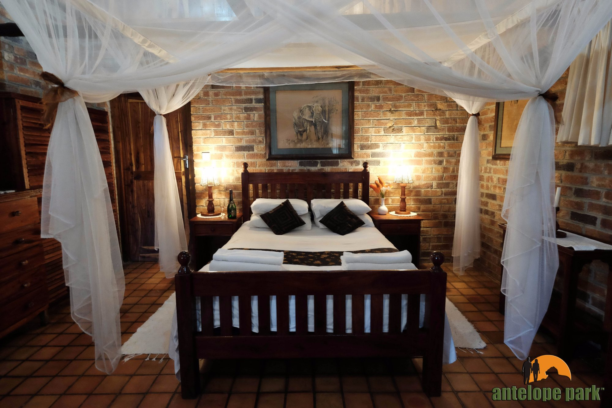 Antelope park updated 2017 prices lodge reviews gweru for Dining room suites zimbabwe