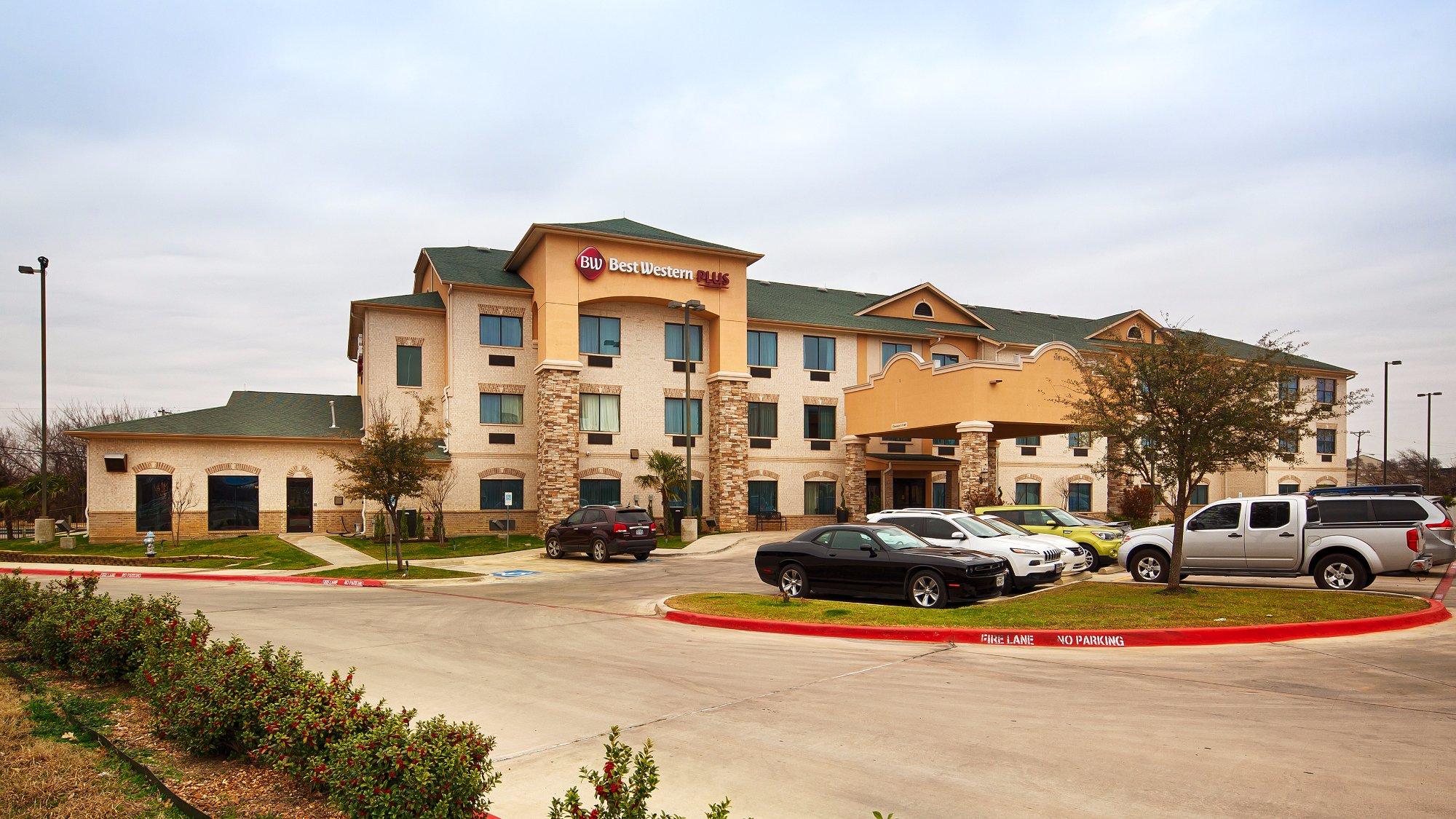 Best Western Plus Burleson Inn & Suites