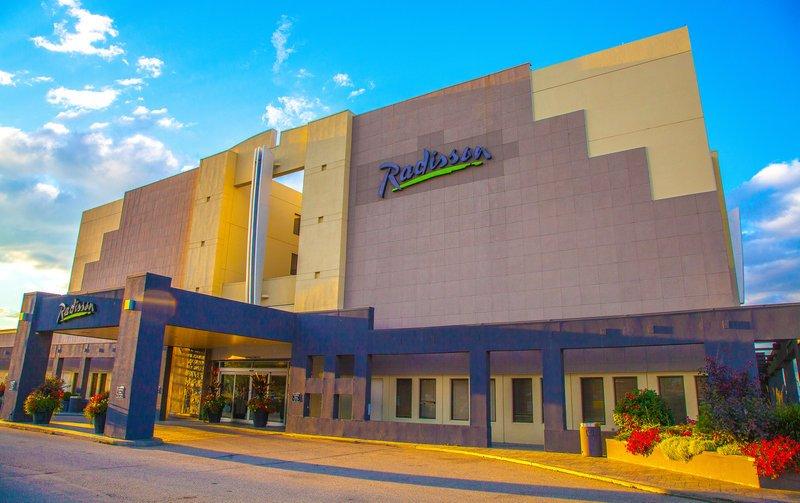 Radisson Hotel Red Deer Updated 2018 Reviews Amp Price Comparison Canada Tripadvisor