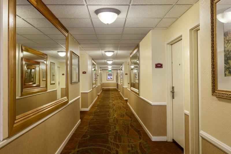 Best Western Plus Carriage Inn Los Angeles Ca Hotel