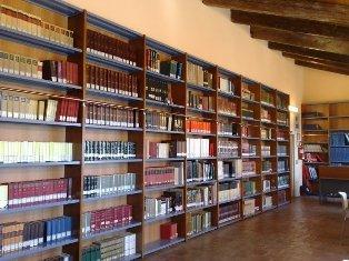"Biblioteca Comunale ""Armando Lucifero"""