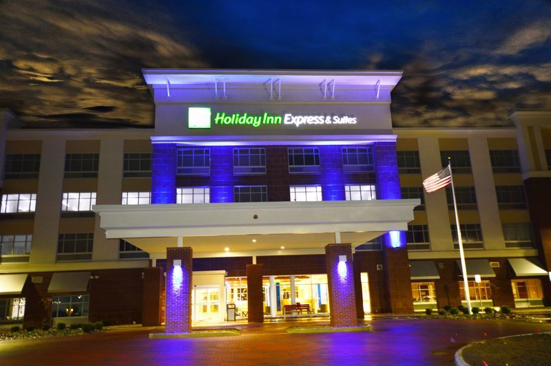 Holiday Inn Express Amp Suites Toledo South Perrysburg