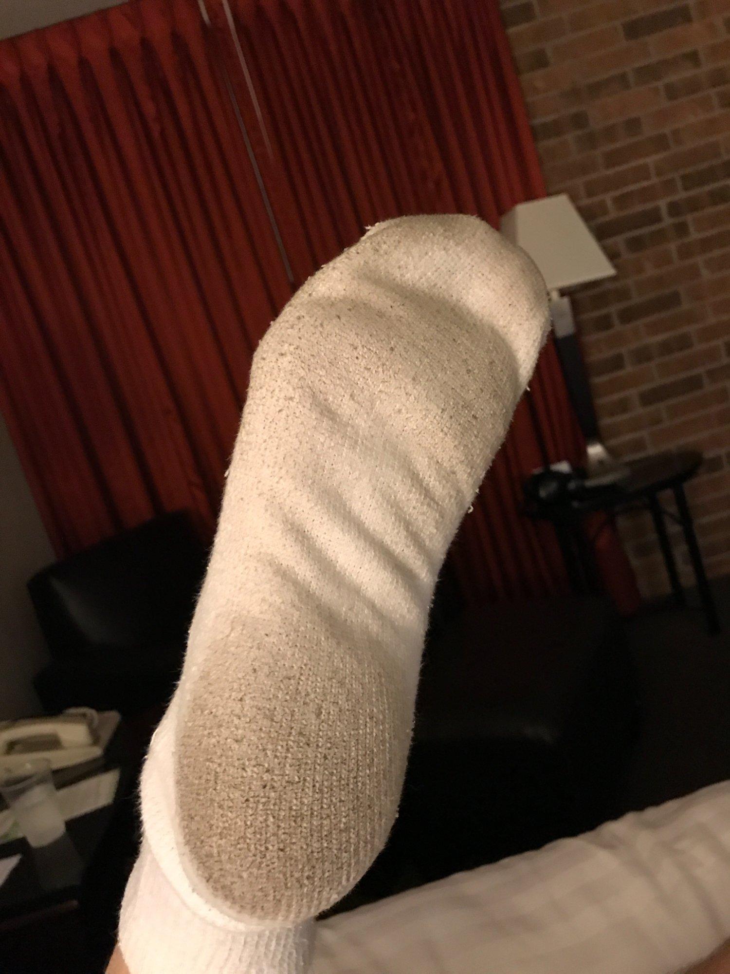 Carpet turns my socks black after 5 minutes :(