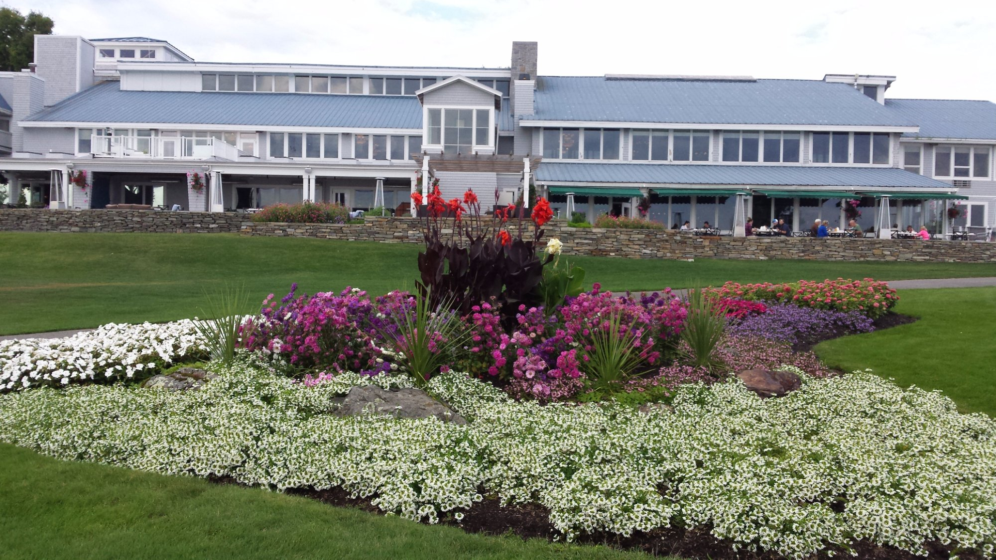 Samoset Resort is on the water with 18 holes of golf and a very nice restaurant.