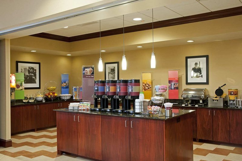 Hampton Inn Suites Indianapolis Airport Updated 2017