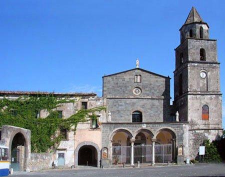 Parrocchia Santa Croce in Santa Maria del pozzo
