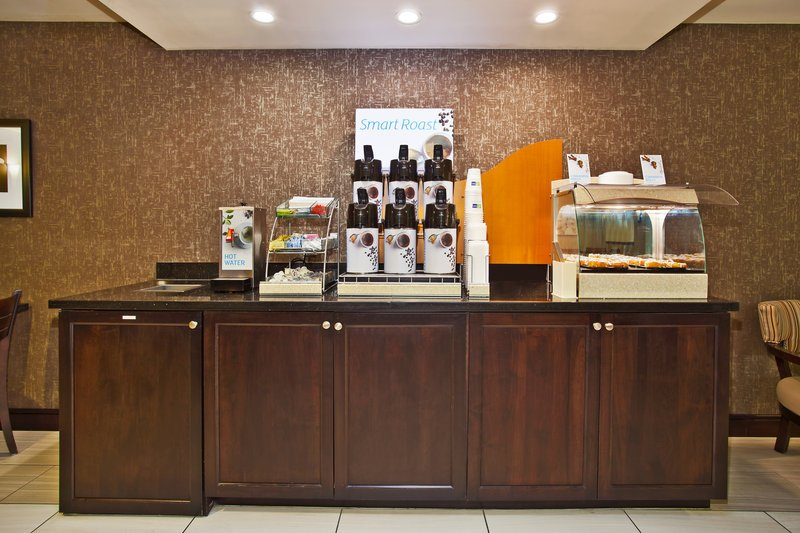 Holiday Inn Express & Suites Springfield - Dayton Area (OH ...