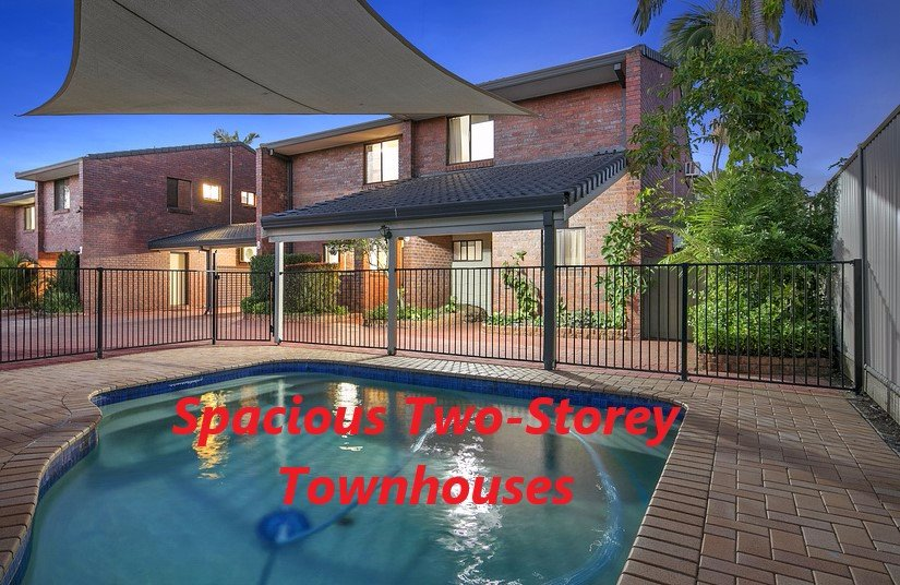 Cleveland Visitors Villas Motel Spacious Townhouses  : sparkling pool from www.tripadvisor.co.nz size 825 x 536 jpeg 134kB