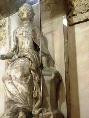 Statua di Elena Cornaro Piscopia
