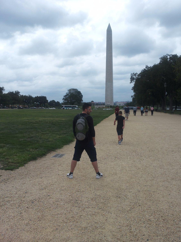 obelisco di commemorazione a George Washington (visto da sentiero per Reflecting Pool)