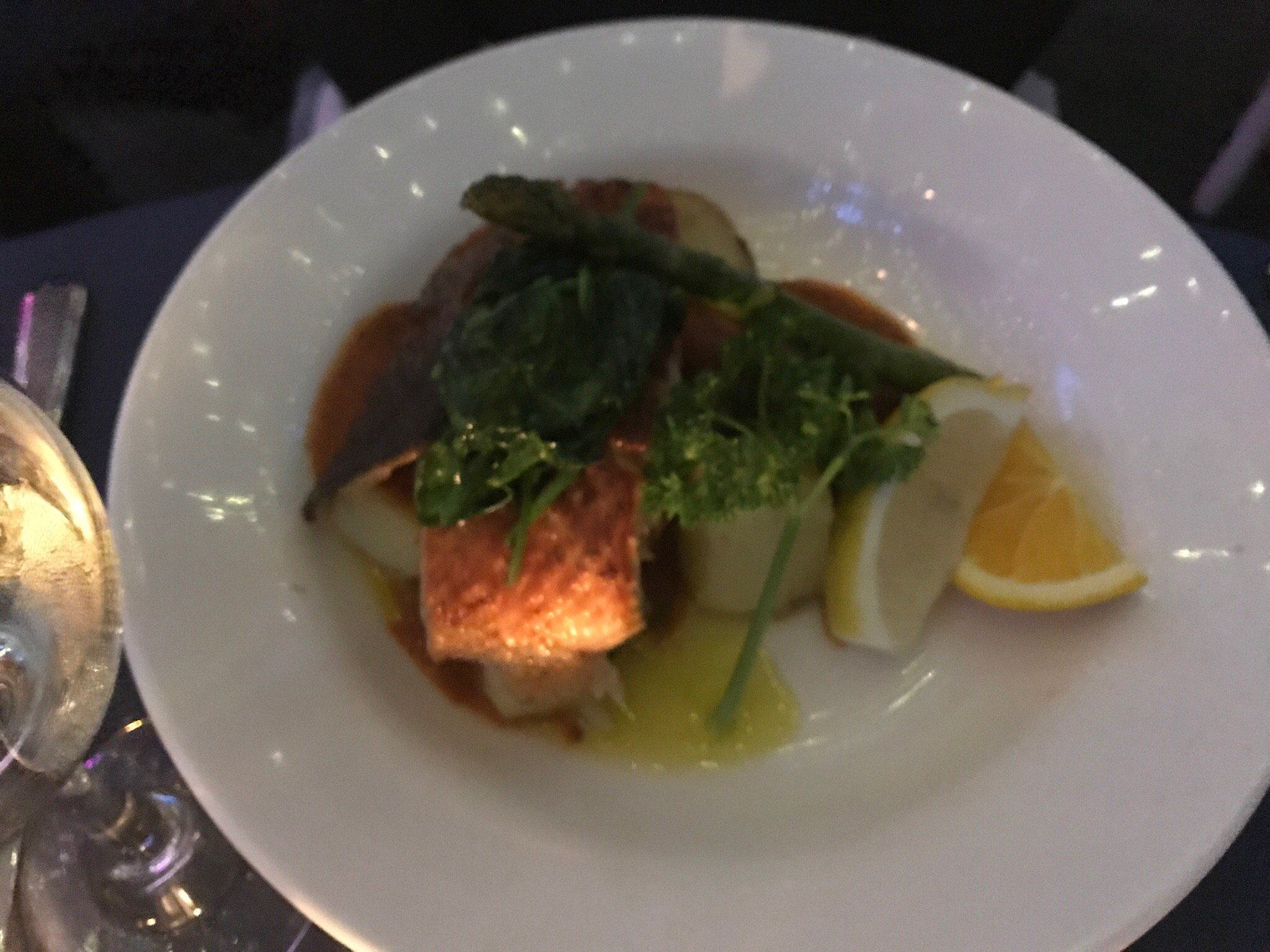 Georges Paragon Seafood Restaurant | 46 The Promenade, Gold Coast, QLD 4212 | +61 7 5577 8420