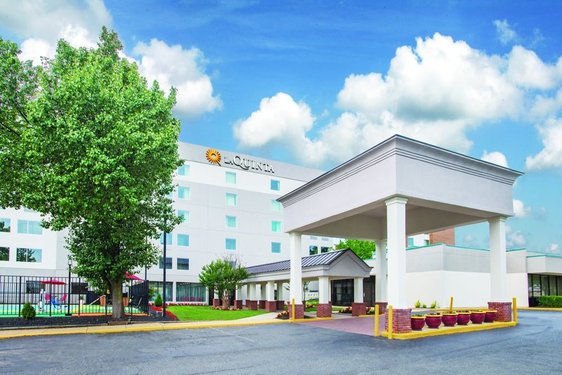 La Quinta Inn Suites DC Metro Capitol Beltway Heights MD