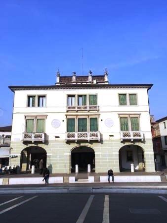 Il Palazzo da Re e il Pavion