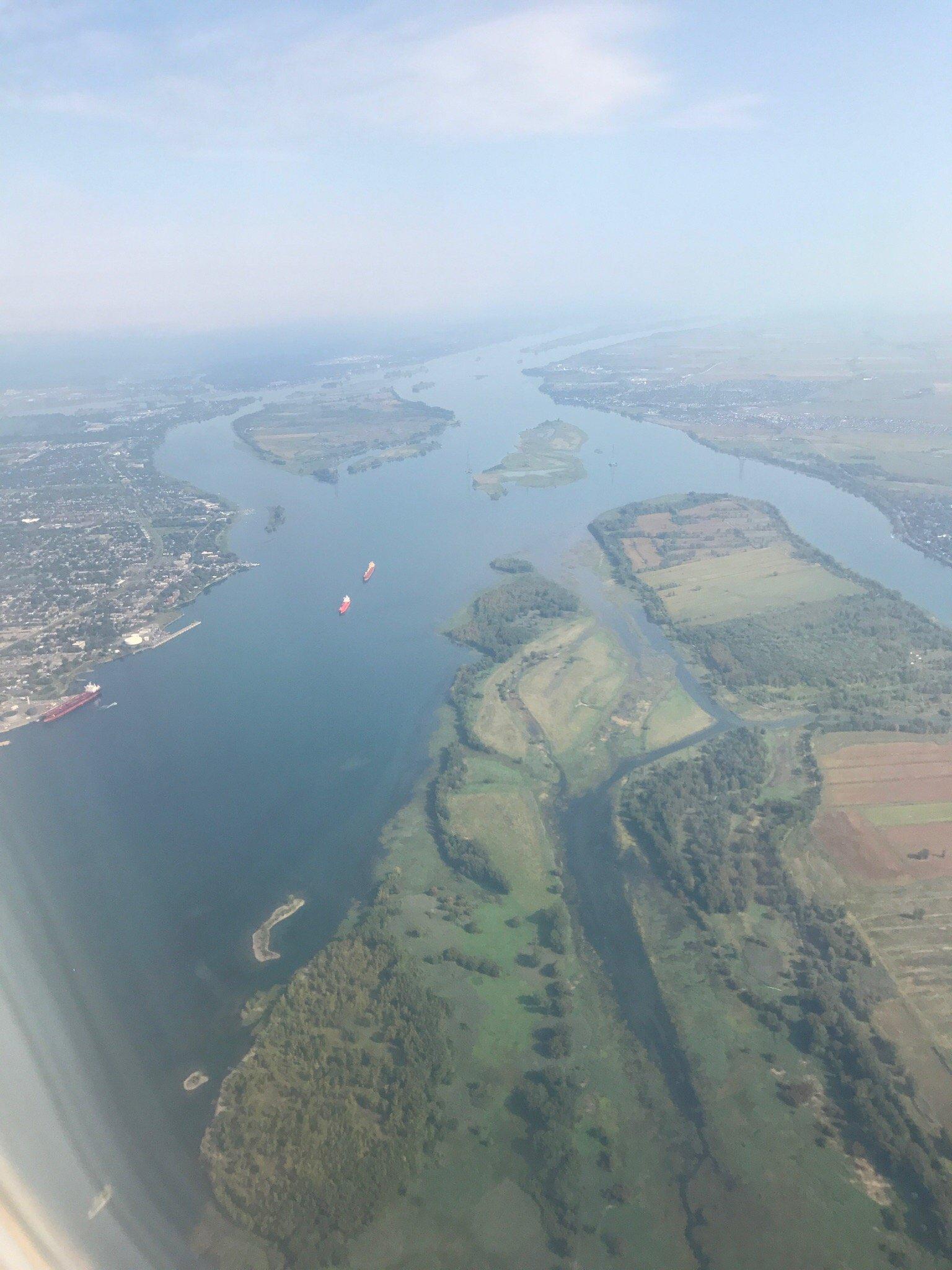 Landing in YUL