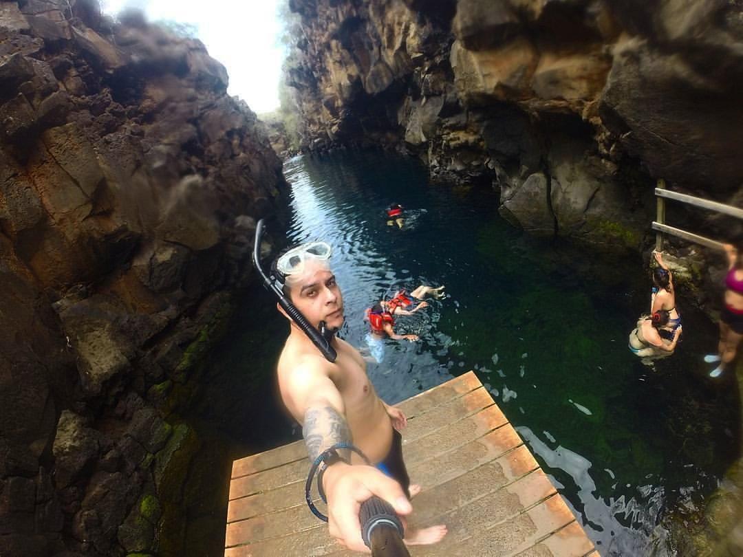 Snorkeling las grietas Galápagos