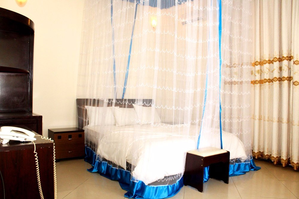 Best outlook hotel prices reviews bujumbura burundi for Aparthotel jardin tropical bujumbura