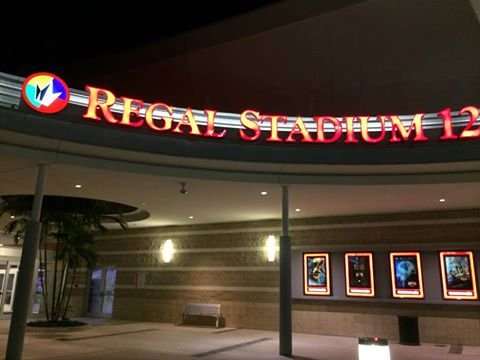 ‪Regal Cinemas Broward Stadium 12 and RPX‬