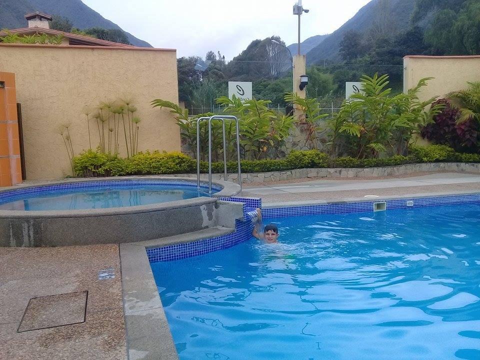 Cordillera hotel valera venezuela opiniones y - Piscina con jacuzzi ...