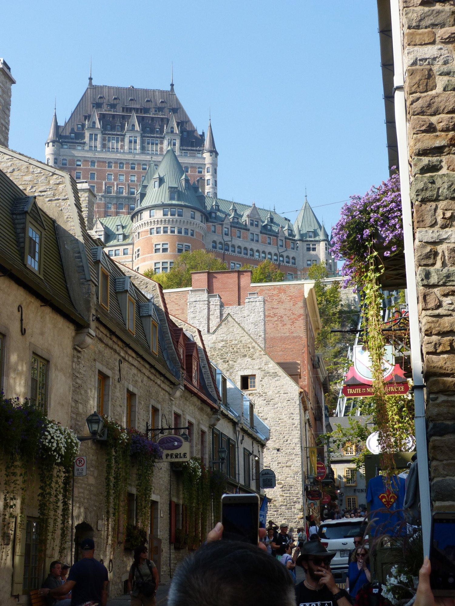 Le chateau Frontenac vu du quartier du petit Champlain