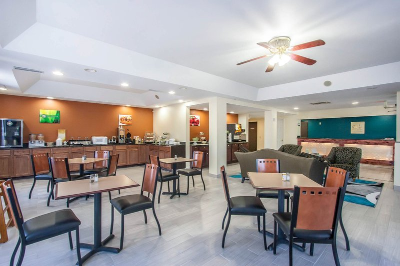 Quality Inn Suites 55 6 Updated 2017 Prices Hotel Reviews Centerville Tn Tripadvisor
