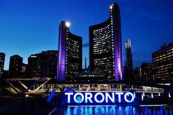 Walk Toronto Tours