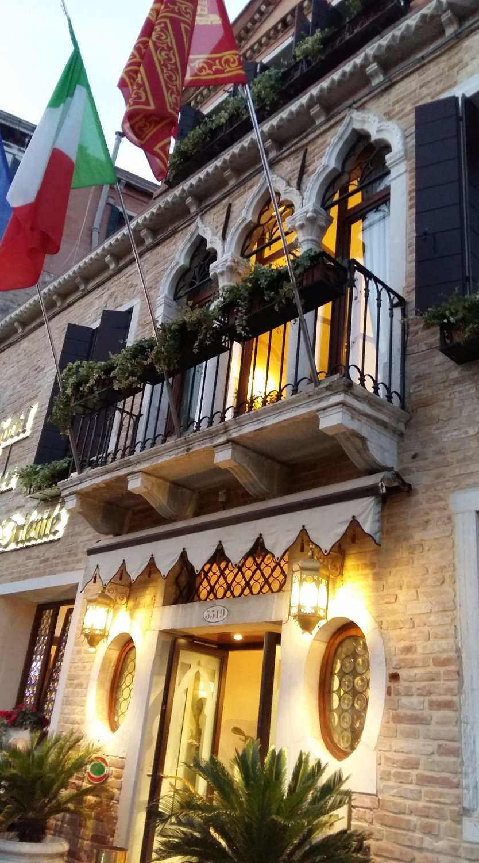Ai Mori D Oriente Ai Mori Doriente Hotel Prices Reviews Venice Italy
