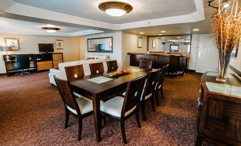 Crowne plaza hotel san diego mission valley kalifornien for O kitchen mission valley
