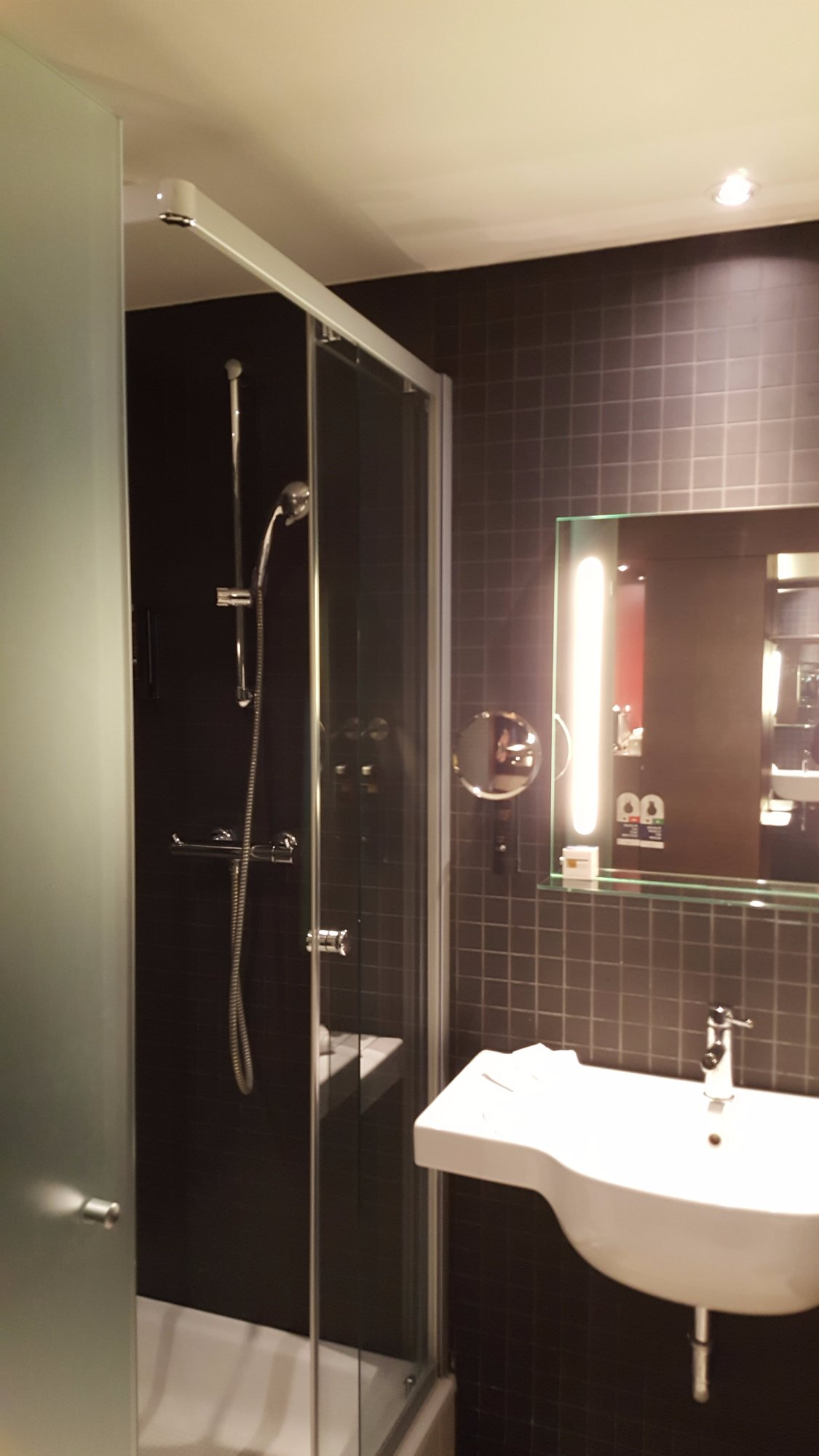 Dutch Design Hotel Artemis  Amsterdam  The Netherlands    Reviews  Photos    Price Comparison   TripAdvisorDutch Design Hotel Artemis  Amsterdam  The Netherlands    Reviews  . Red Light In Bathroom Hotel. Home Design Ideas