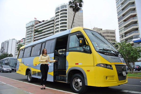 Ofrecemos transporte turístico y corporativo.