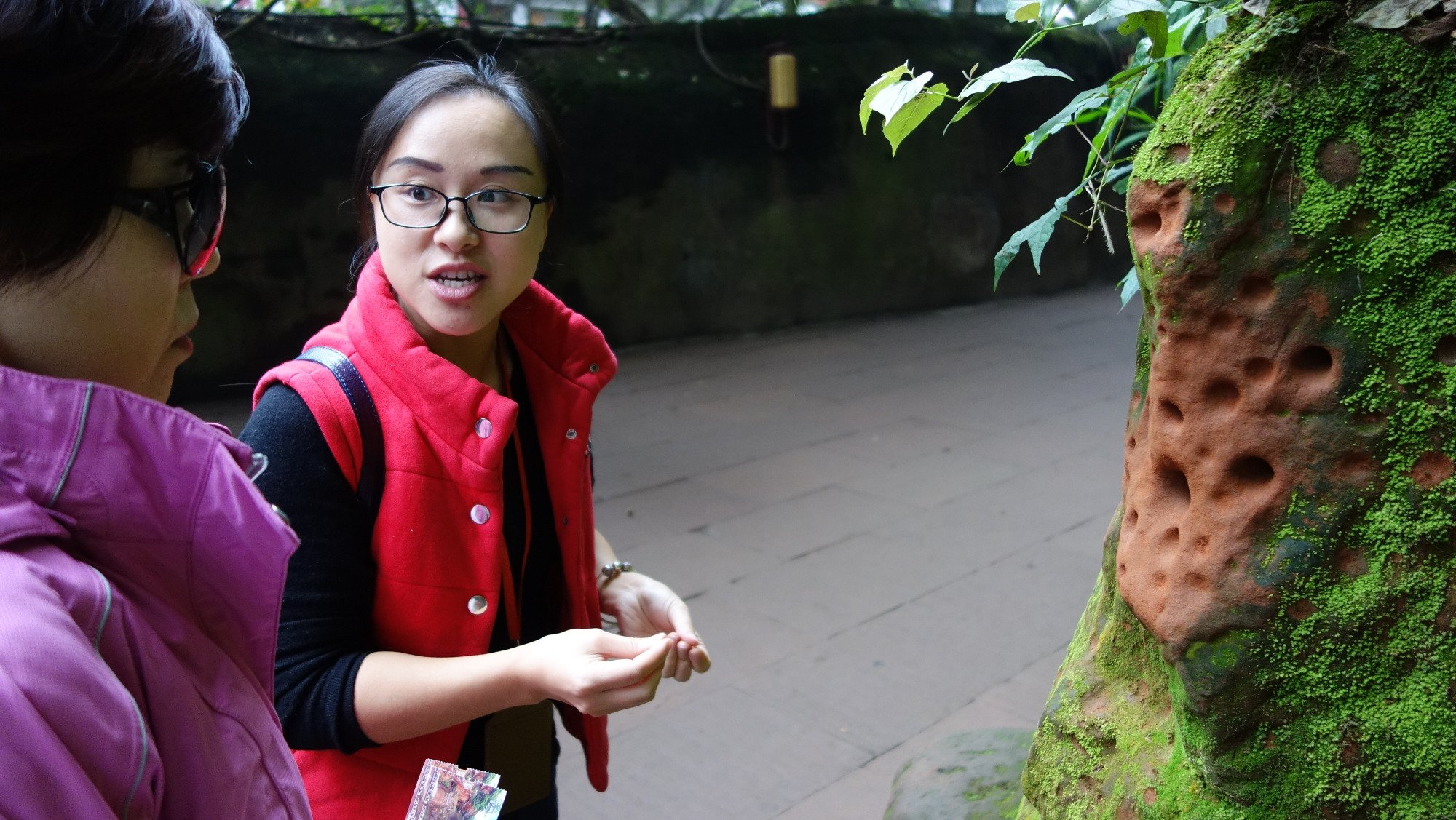 chengdu westchinago tour guide:lilian