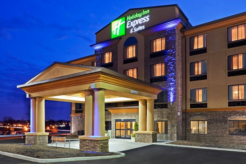 Holiday Inn Express Hotel Amp Suites Syracuse North