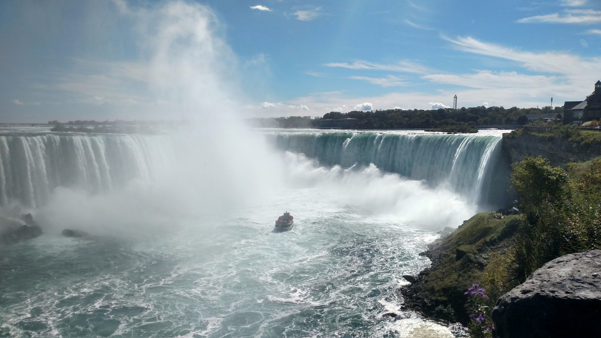 Hornblower Ferry into the mist of Horseshoe Falls
