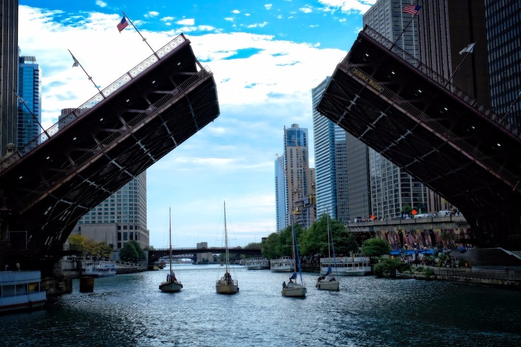 One of the many bridges of Chicago