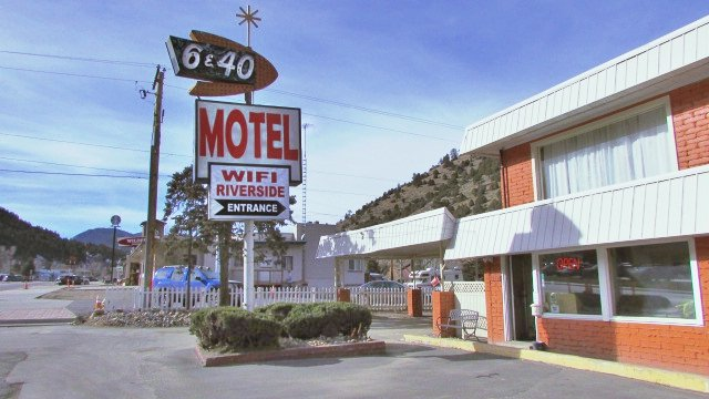 6 & 40 Motel