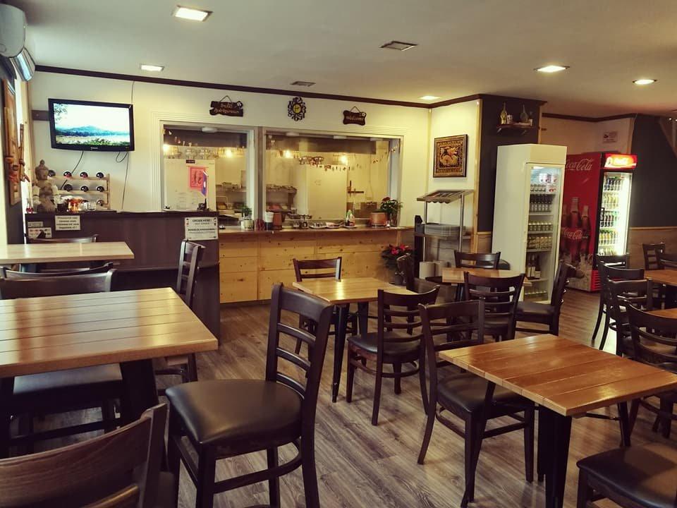 Kao Niaw Ping Kai Restaurant