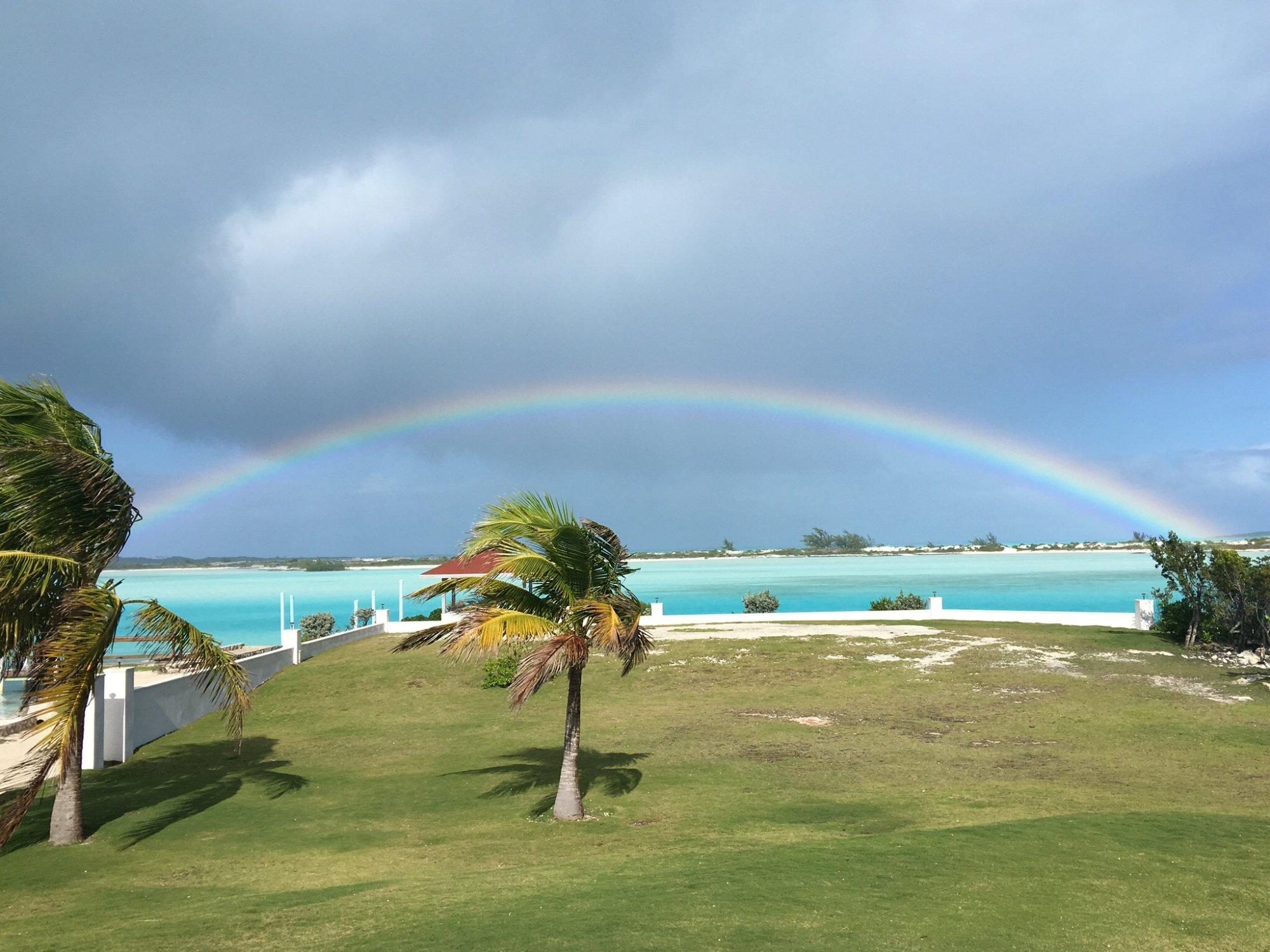 Après la pluie! (Bay view vacation rental villa#1)