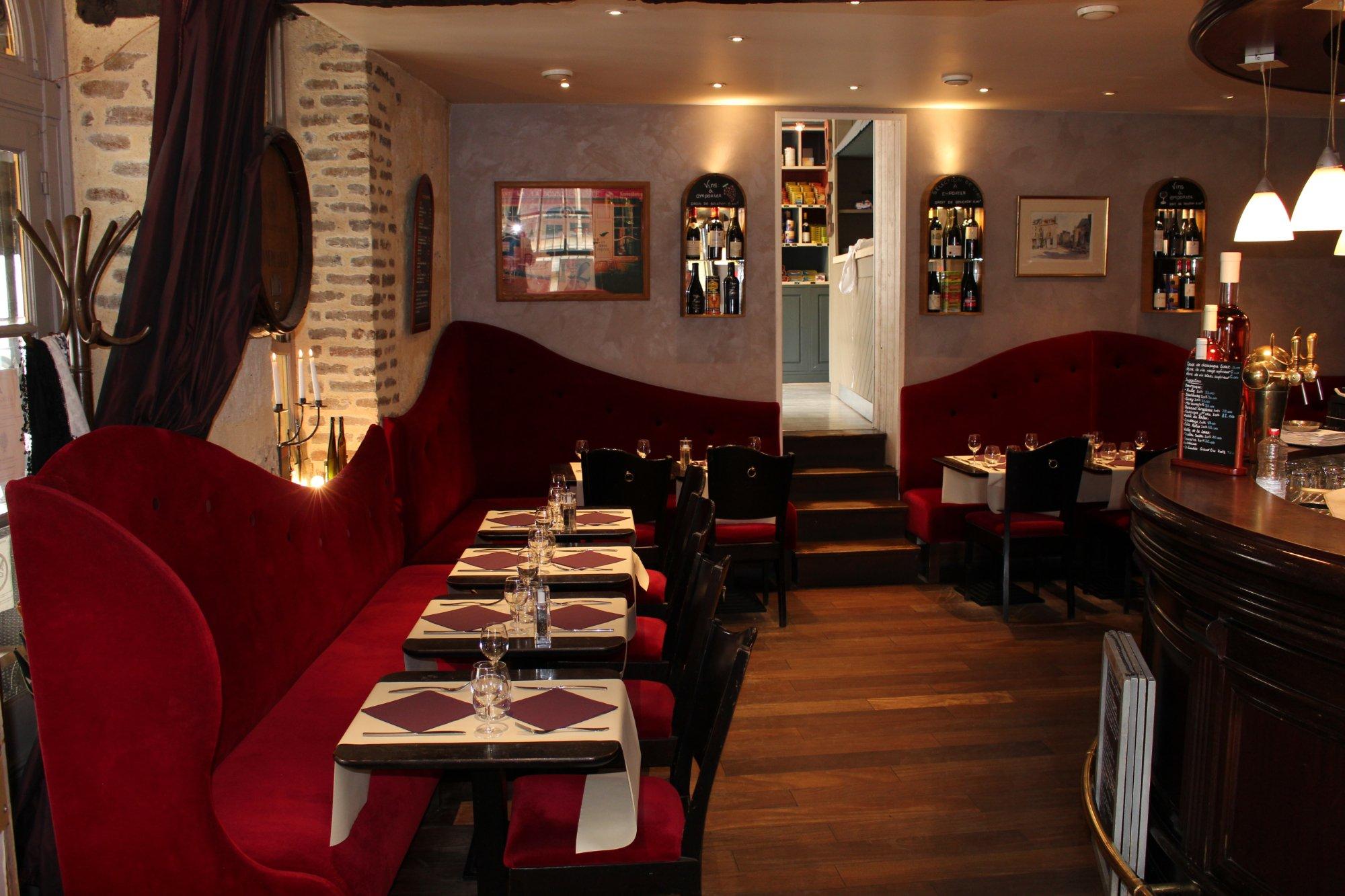 France Food Guide: 6 Wine Bar food Must-Eat Restaurants & Street Food Stalls in Osny