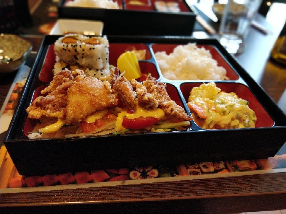 Bambuszliget japanese restaurant and sushi bar budapest for Asia sushi bar and asian cuisine mashpee
